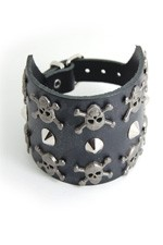 DEA185 - 3 Row Skull and Conical Stud Leather Wristband