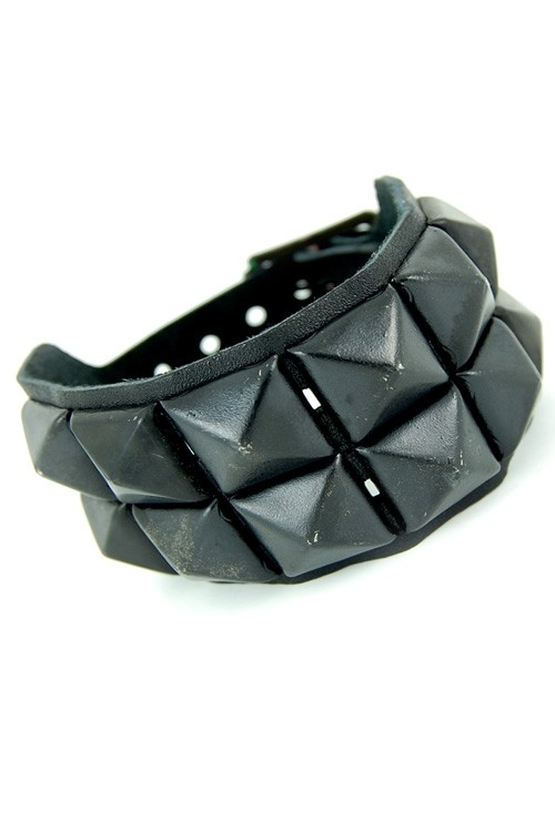 DEA235 2 Row Black Pyramid Stud Leather Wristband